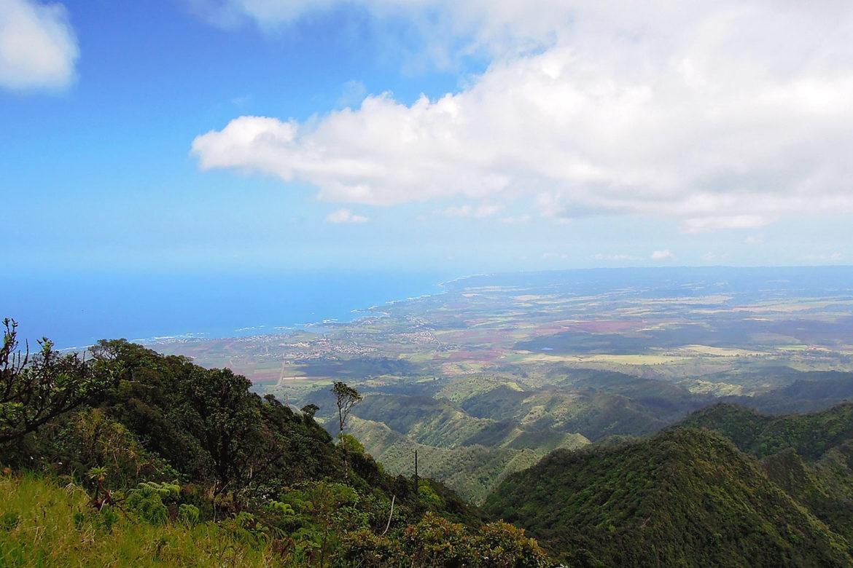 カアラ山頂からみたノースショア方面